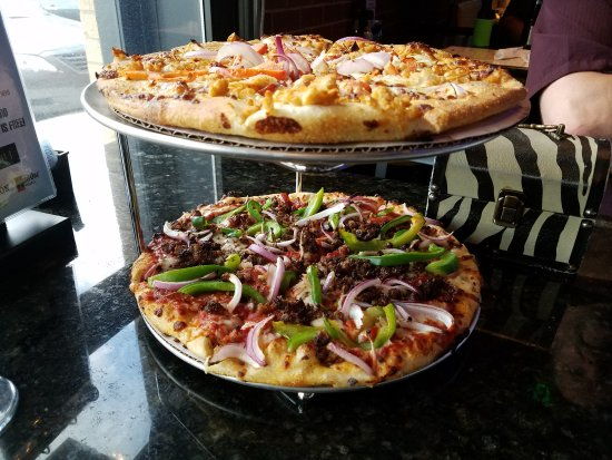 Murfreesboro, TN: Buy one get one pizza Tuesday night special