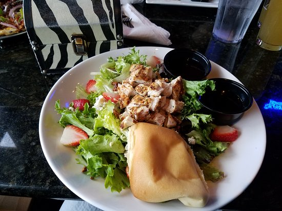 Murfreesboro, TN: Johnathon's Specialty salad