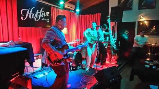 """Hot Five Jazz & Blues Club: O Palco e """"seus"""" Artistas"""
