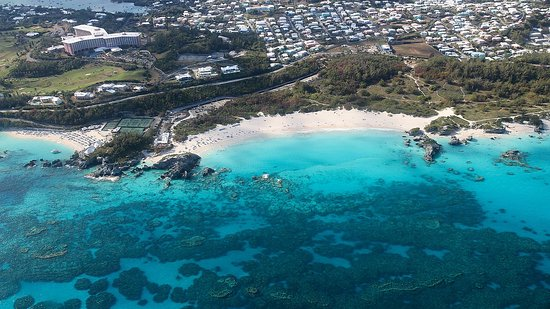 St. George's Parish, Islas Bermudas: This is our Horseshoe Bay Beach on the South Shore. Note the colors are genuine.