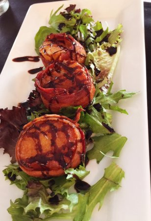 Christiansburg, VA: Bacon-wrapped scallops