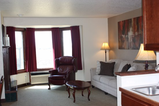 Greeley, CO: 2 Room Suite
