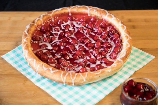 Fernie, Kanada: Cherry Pie! Made fresh to order.