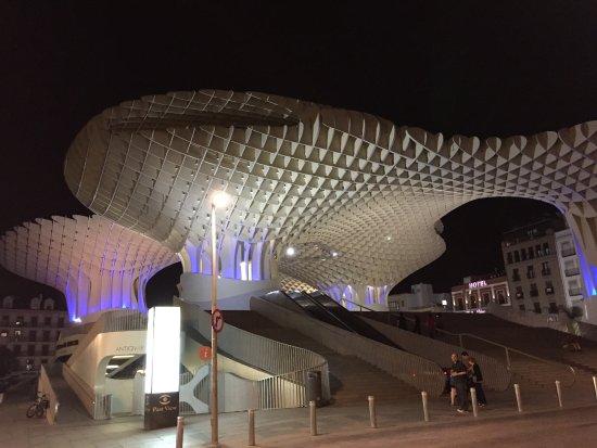 Metropol Parasol: Bei Nacht