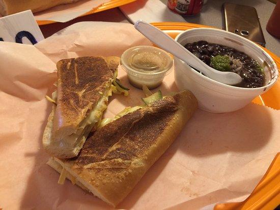 Maryville, TN: Pulled-pork sandwich