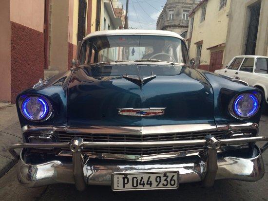 Taxi Cuba Chevy 56