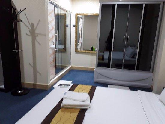 Mabalacat, Philippines : Suite Room