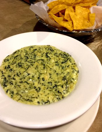 Alcoa, TN: Spinach and artichoke con queso