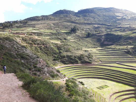 Maras, Peru: Scenic valleys