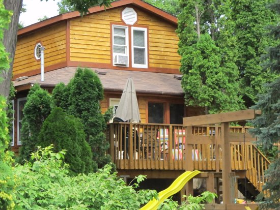 Stoughton, WI: Cottage#4 3BR 3BA