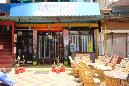 Inside picture of cafe sheroes hangout agra tripadvisor for Agra fine indian cuisine reviews