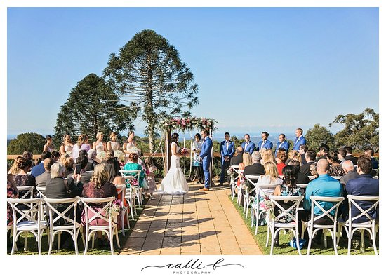 Wedding at Flaxton Gardens with beautiful view over Sunshine Coast.