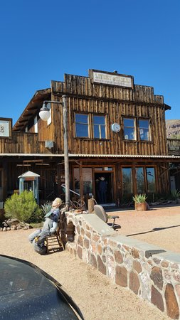 Wickenburg, AZ: Robson's Mining World Mercantile and Entrance