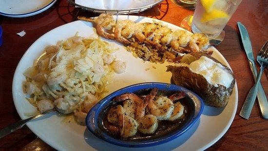 Jefferson City, MO: Shrimp Trio - Shrimp Linguini Alfredo, Toasted Parmesan Grilled Shrimp, Garlic Shrimp Scampi