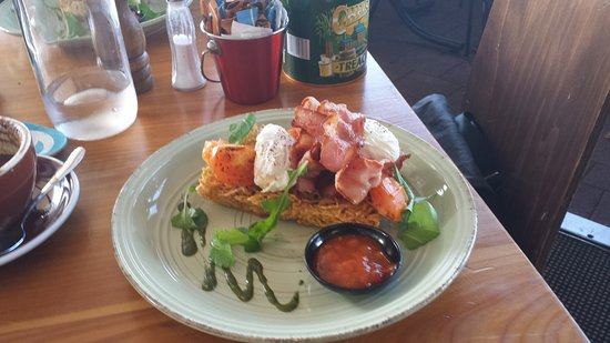 Whangaparaoa, New Zealand: Next step up from Eggs benedict