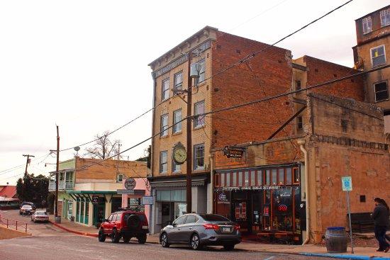 Jerome, AZ: Old Brick Buildings