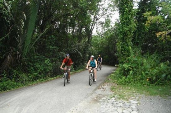 Singapore Bike Adventure around Pulau...