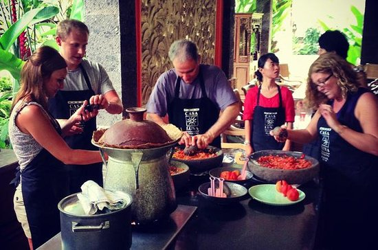 Bali Cooking Class with Private ...