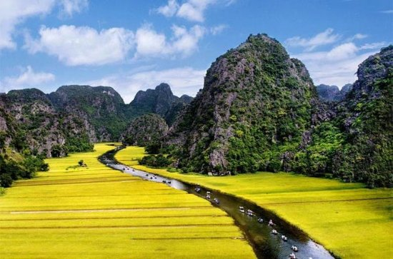 Full-Day Trip to Hoa Lu and Tam Coc...