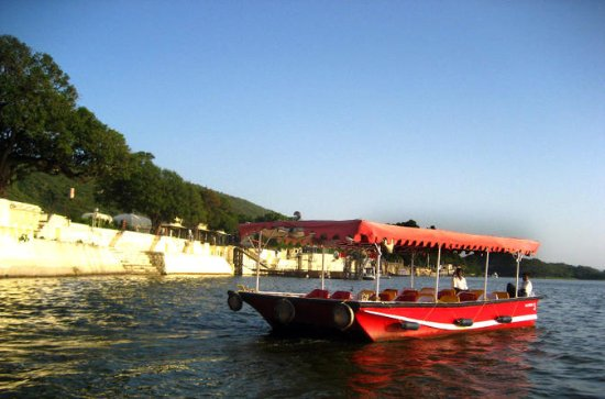 Private Tour: 4-Night Udaipur and...