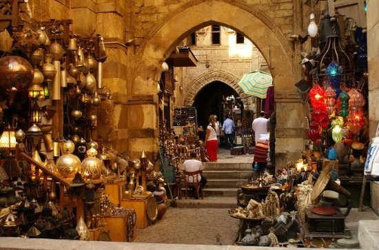 エジプト考古学博物館とイスラム教カイロ、コプティック・カイロとカーン・エル・…