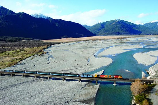 6-Day South Island Tour from ...