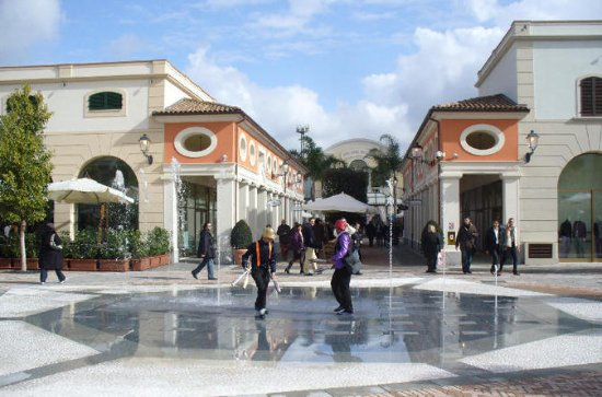 Tour de shopping à La Reggia Outlet