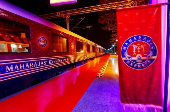 4-Night Luxury Train Tour: Gems of...
