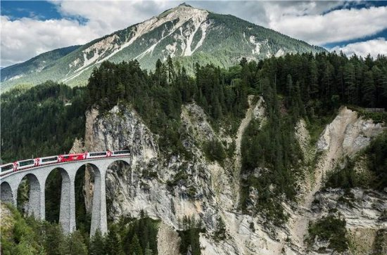 Premium 3-Day Glacier Express Tour from Geneva