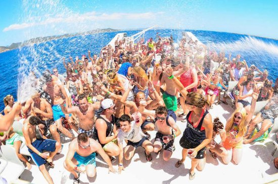Adult-Only Cancun Party Cruise to...