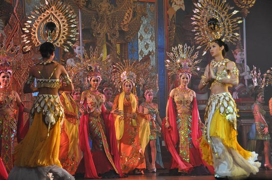 Pattaya Alcazar Show Admission with Hotel Transfer