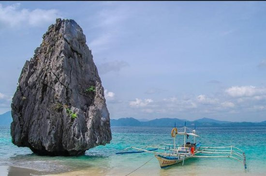 El Nido Island Hopping: Caves and...