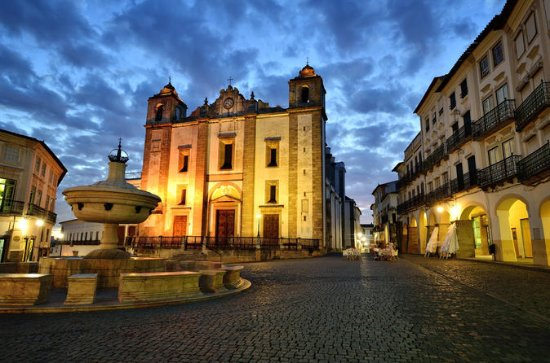 Private Full-day Trip to Évora and ...