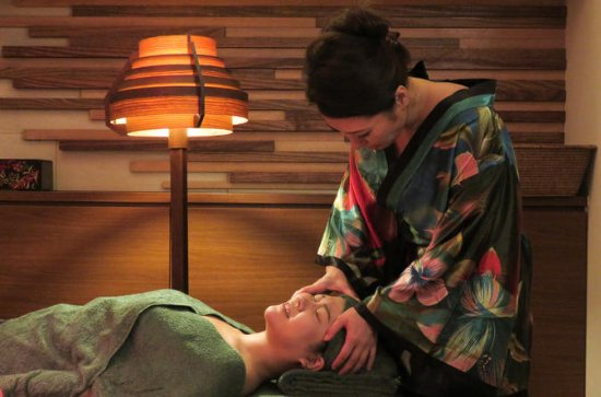 Japanese Lymphatic Massage at an...