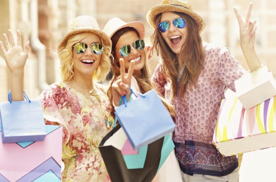 Private Tour: Small-Group Customizable Shopping tour of Auckland