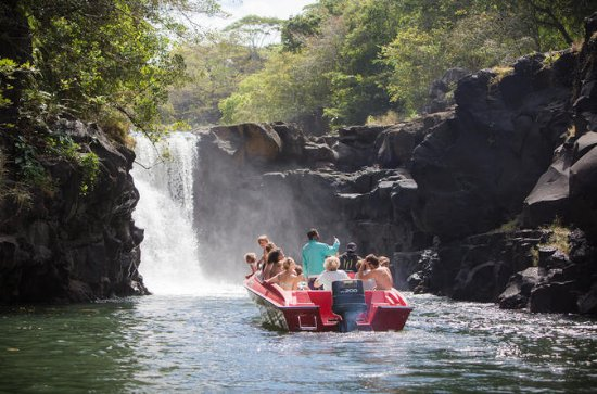 Full-Day Private Speedboat Tour to...