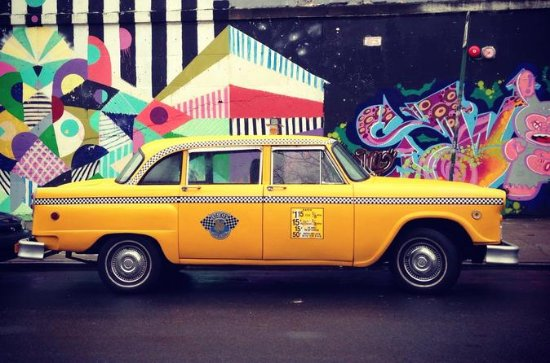 Private Brooklyn Pizza Tour by Vintage NYC Taxi Cab