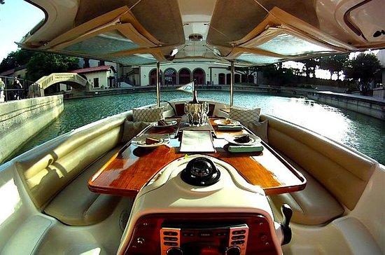Lake Carolyn Boat Tour
