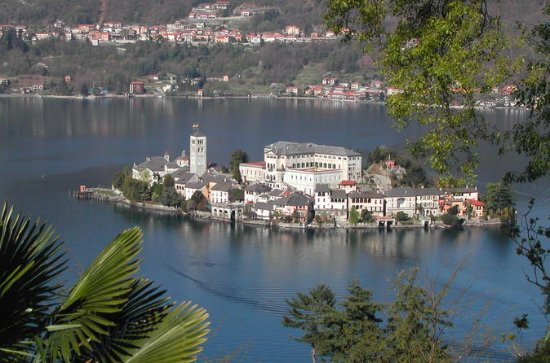 Group Bus Tour to Lake Orta with...