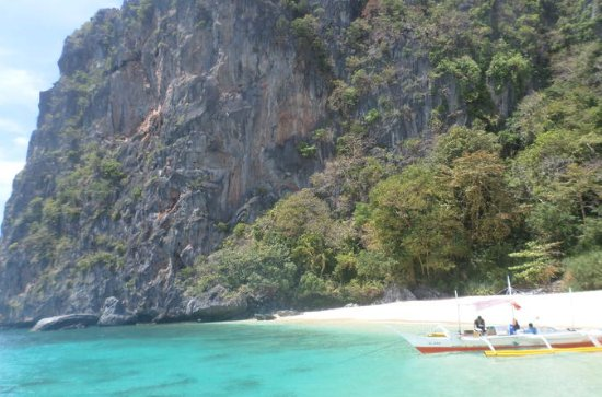 El Nido Island– and Beach-Hopping...