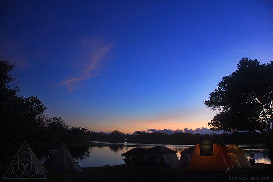 Cavinti, Philippines: Typical Morning when you Go GLAMPING at the BLOC Camp Site!