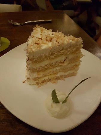 Tommy Bahama's Restaurant & Bar: Pina colada cake. Yes please!