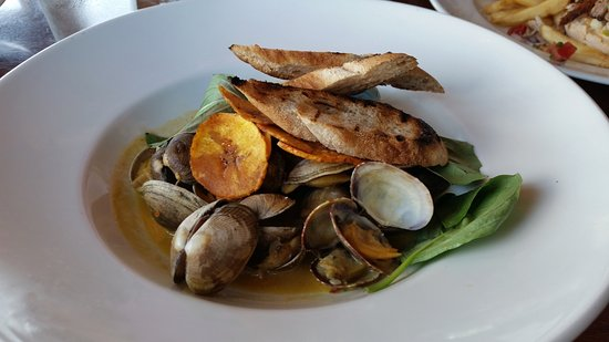 Port Orford, OR: Clam appetizer