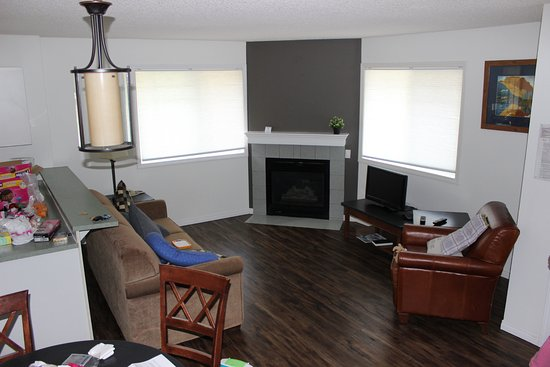 Harvie Heights, Canada: Living room