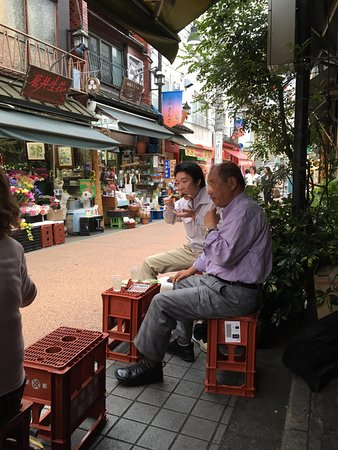 Annex Katsutaro : fellow drinkers and shops on road to Nippori JR Station