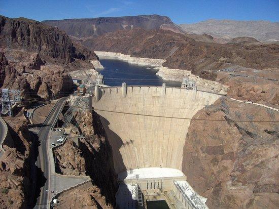 Mike O'Callaghan-Pat Tillman Memorial Bridge: A view to the dam