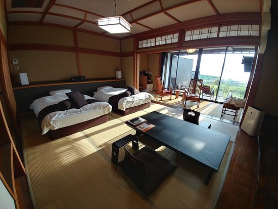 Kyotango, Япония: Sea view room with private onsen