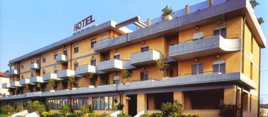 Morrovalle, Italy: Esterno Hotel