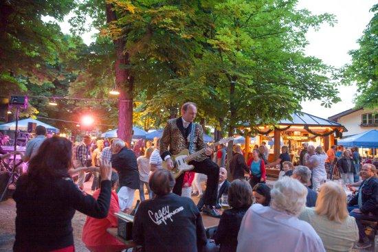 Planegg, Alemania: Biergartenstimmung