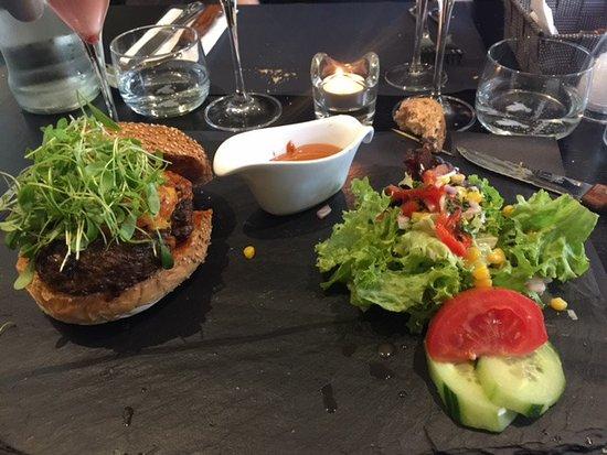 Ganshoren, بلجيكا: Hamburger the spoon